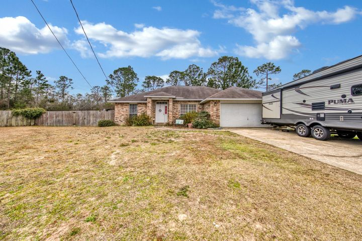 2401 Pleasant Point Circle, Navarre, FL 32566