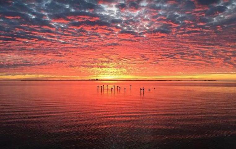 49 NE Bay Drive, Fort Walton Beach, FL 32548