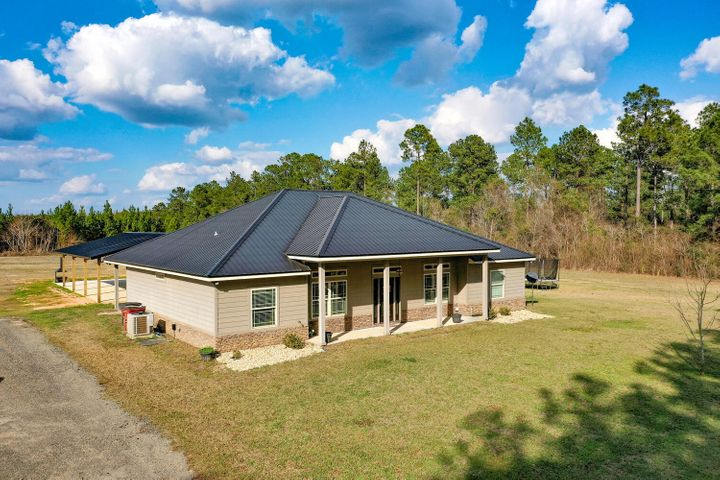 3939 Millside Road, Laurel Hill, FL 32567