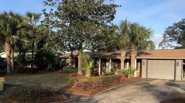 417 NW Sherry Circle, Fort Walton Beach, FL 32548