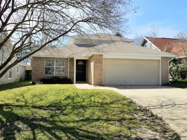 307 Rue Dianne, Mary Esther, FL 32569