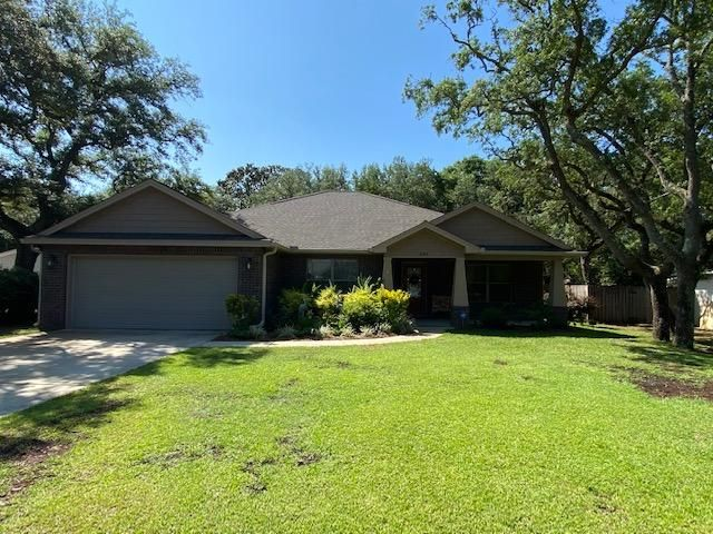 2012 Built 3/2 Home on .33 Acre Privacy Fenced Lot