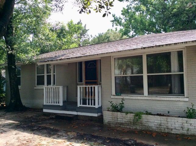 226 NE Bradley Drive, Fort Walton Beach, FL 32547