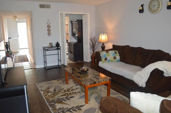 210 Pelham Road, 205-B, Fort Walton Beach, FL 32547