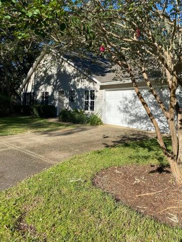 607 Emerald Lane, Fort Walton Beach, FL 32547