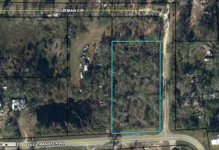 Over an acre in Wewahitchka. Located close to the Chipotle River.