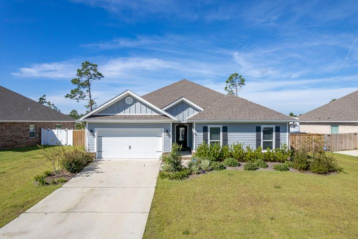 beautiful craftsman style home in fanning bayou