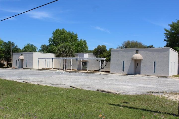 74 3rd St., Shalimar, FL 32579