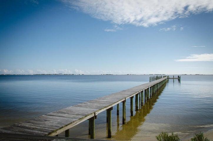 8C Palmetto Lake Drive, Navarre, FL 32566
