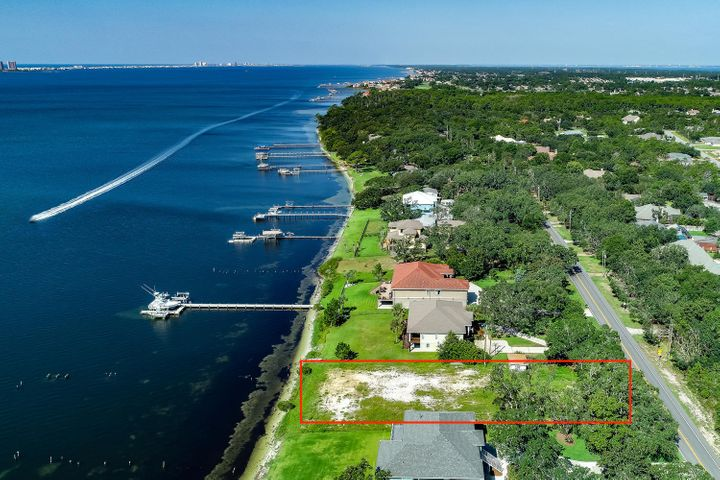 4457 Soundside Drive, Gulf Breeze, FL 32563