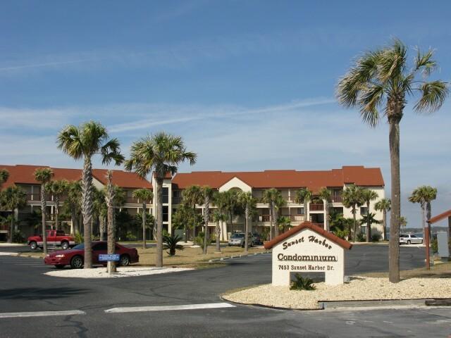 7453 Sunset Harbor Drive APT 1-204, Navarre, FL 32566