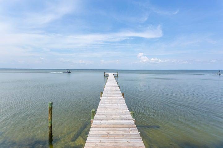 4500 Hickory Shores Boulevard, Gulf Breeze, FL 32563