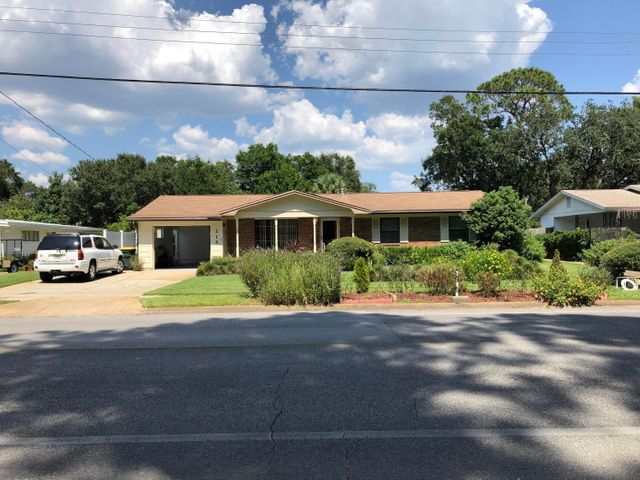 215 NE Hughes Street, Fort Walton Beach, FL 32548