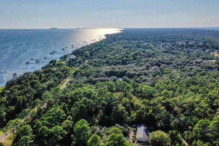 5172 Soundside Drive, Gulf Breeze, FL 32561