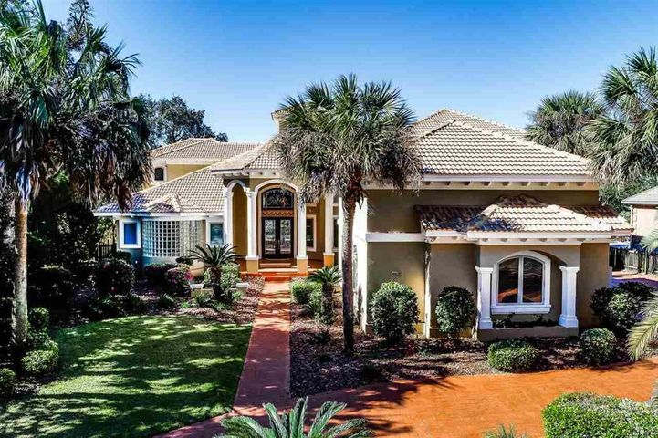 97 Chanteclaire Circle, Gulf Breeze, FL 32561