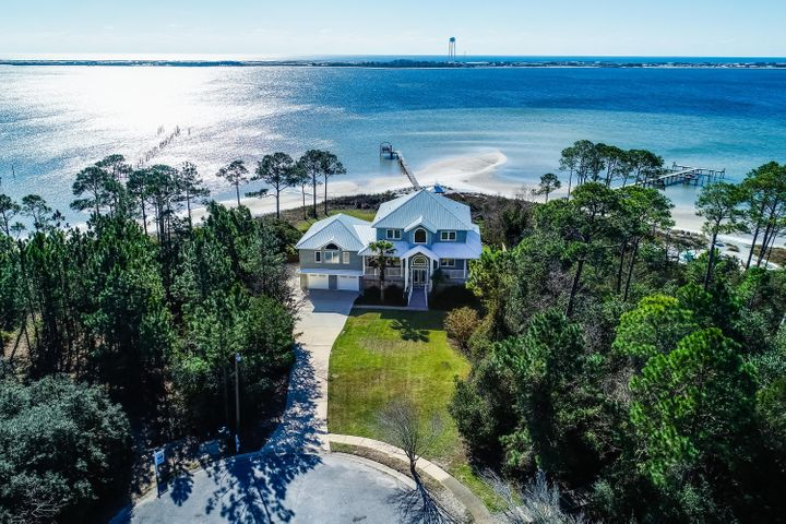 2002 Pritchard Point Drive, Navarre, FL 32566