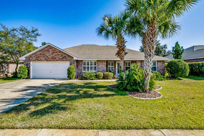 1592 Woodlawn Way, Gulf Breeze, FL 32563