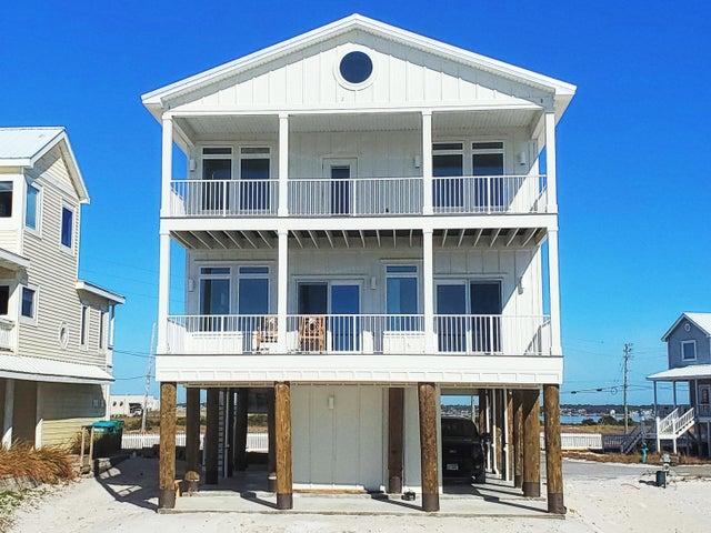 8259 Gulf Blvd Court, Navarre, FL 32566