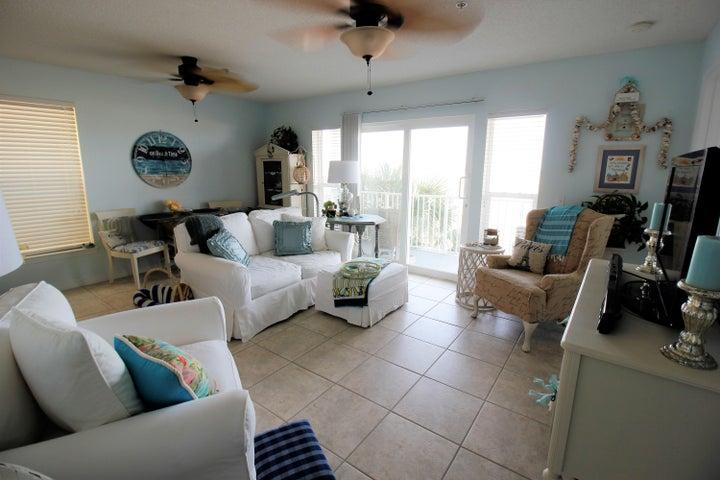 8436 Gulf Boulevard 421, Navarre, FL 32566