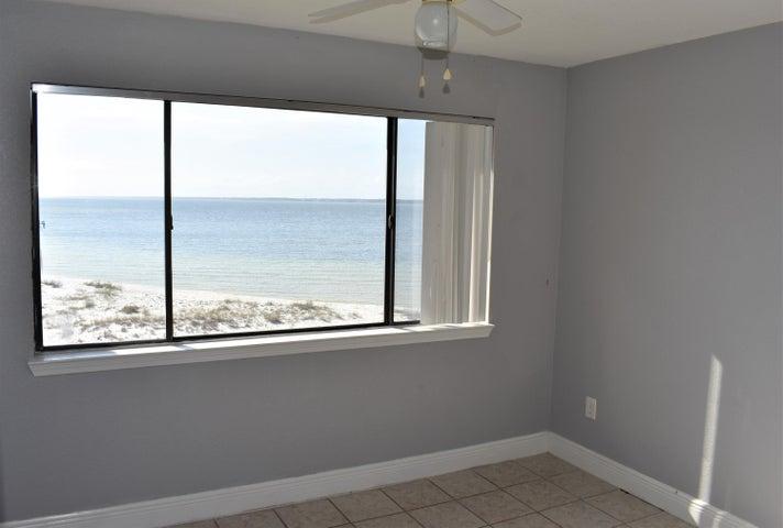 7453 Sunset Harbor Drive APT 2-308, Navarre, FL 32566