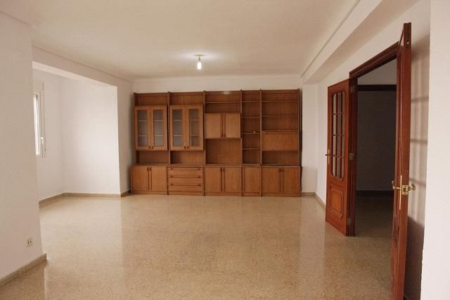 Piso Valenciana>Valencia>Extramurs - Alquiler:980 Euro - codigo: 20-66