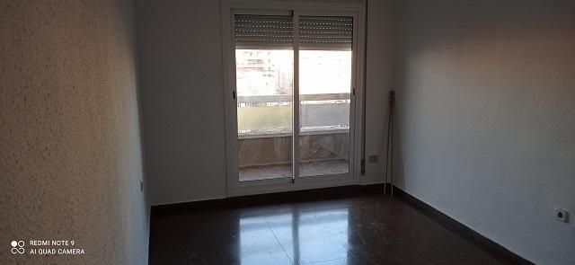 Piso Valenciana>Valencia>Extramurs - Alquiler:750 Euro - codigo: 21-127