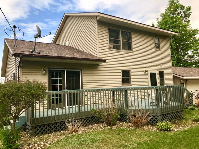 4 bedroom 2 bath home with loads of amenities! Call for a tour.