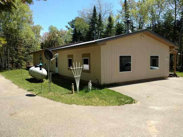 Great year-round home with 50 feet of frontage on Lake Superior