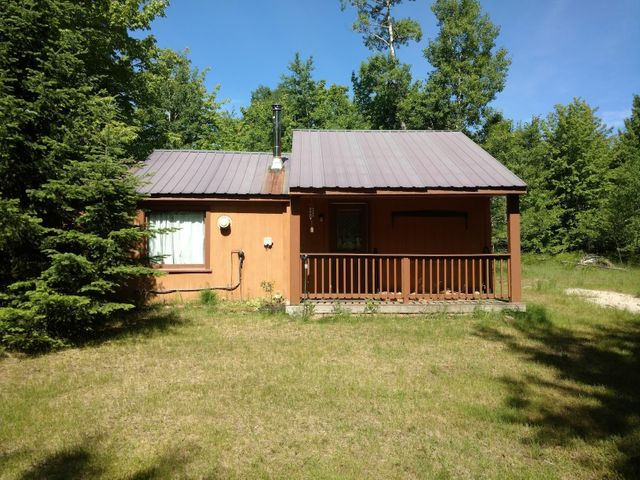 1-bedroom cabin on almost 11 acres