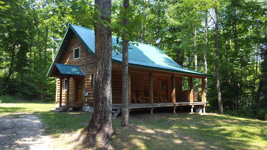 35144 W East West RD, Eckerman, MI 49728