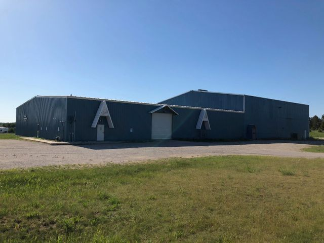 22000 square foot industrial building. Situated on 4.28 acres and easy access to state highway.