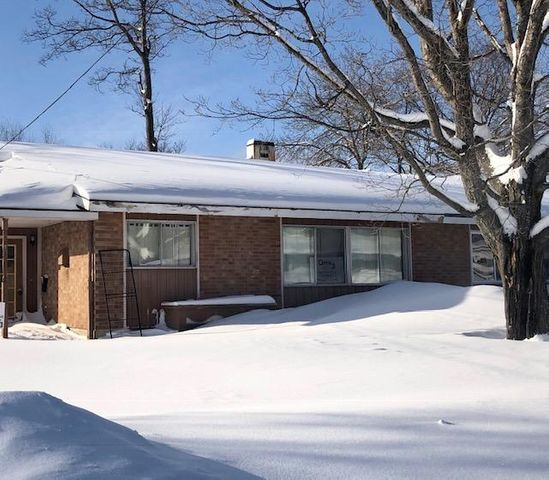 3 bedroom 1 bath home with lots of potential!