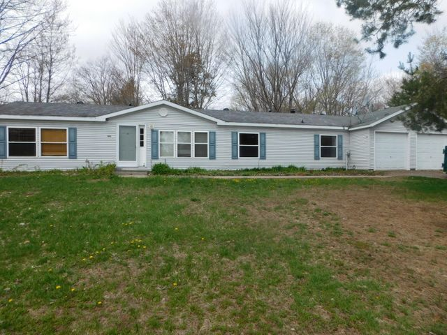 17636 S Daisys Way, Kinross, MI 49752