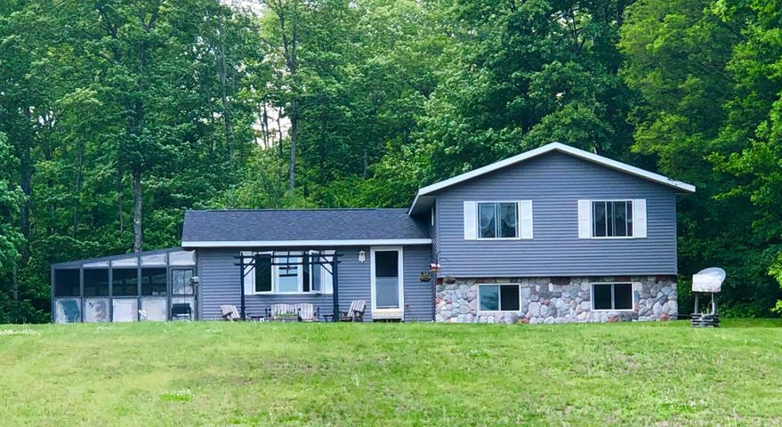 Gorgeous 3 bedroom 2 1/2 bath home on 10 acres. Price reduced!