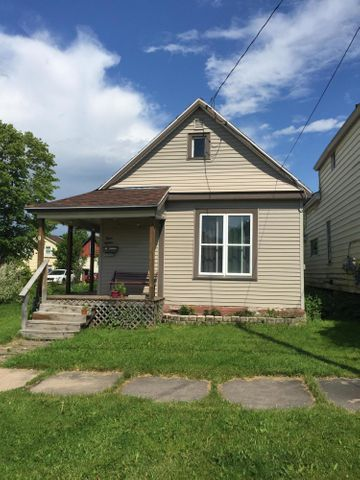 815 Young ST, Sault Ste Marie, MI 49783