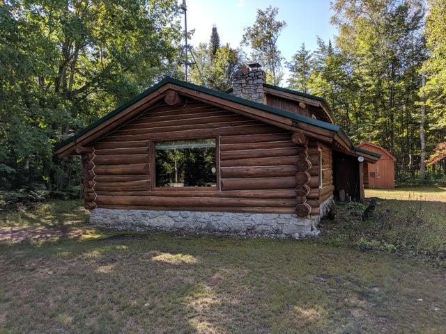 32405 W Huckleberry RD, Trout Lake, MI 49793