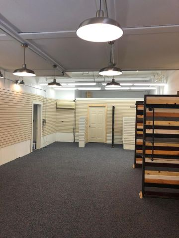 800 square feet of retail space. Updated lighting and flooring.