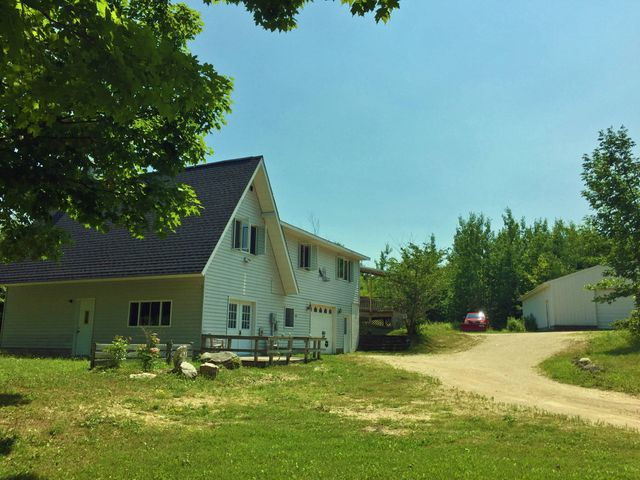 1403 Cheeseman RD, St. Ignace, MI 49781