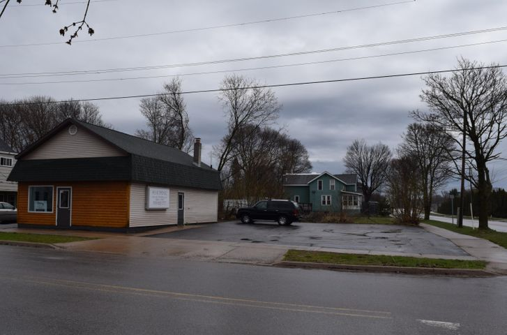 419 Johnston ST, Sault Ste Marie, MI 49783