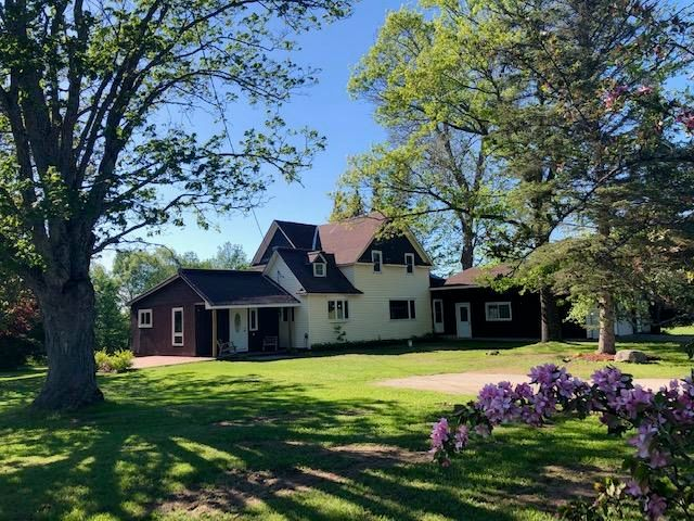 5 bedroom farmhouse on 3.5 acres. Call for details!