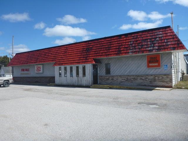 Vallier's Store, US-2 Naubinway