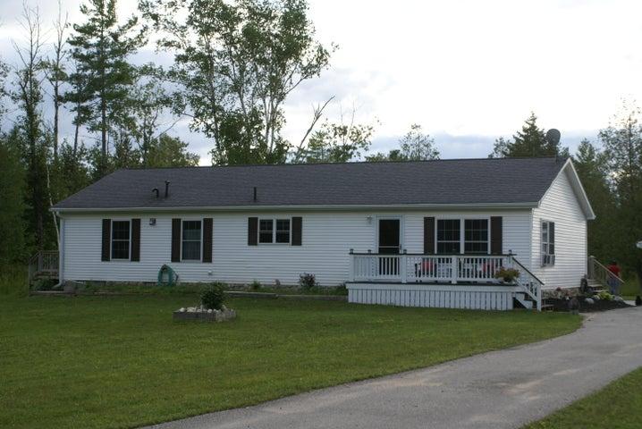 1999 N Blindline RD, Cedarville, MI 49719