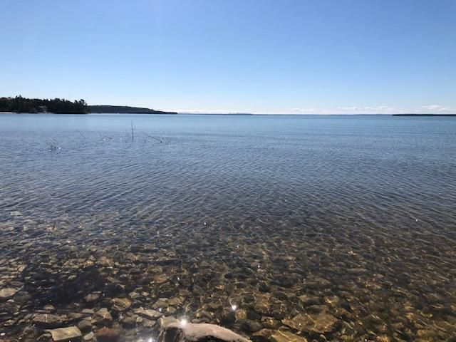 00 W US-2, St. Ignace, MI 49781