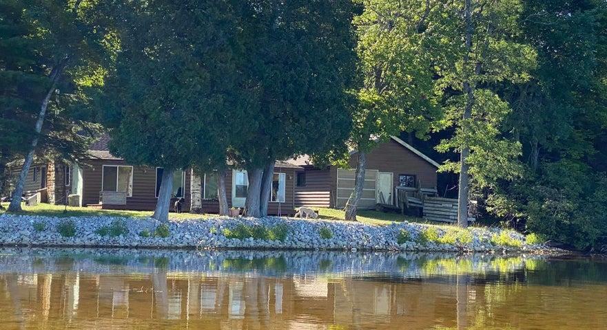 N7322 Lake BLVD, Engadine, MI 49827