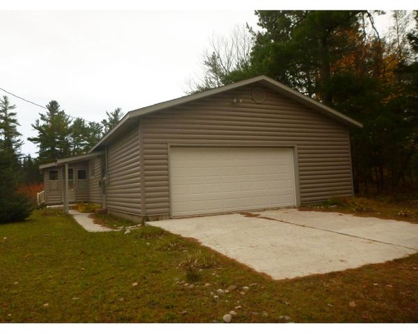 W12232 Middle River Road, Naubinway, MI 49762