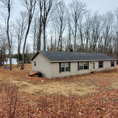 32728 W Johnson Lake RD, Eckerman, MI 49728