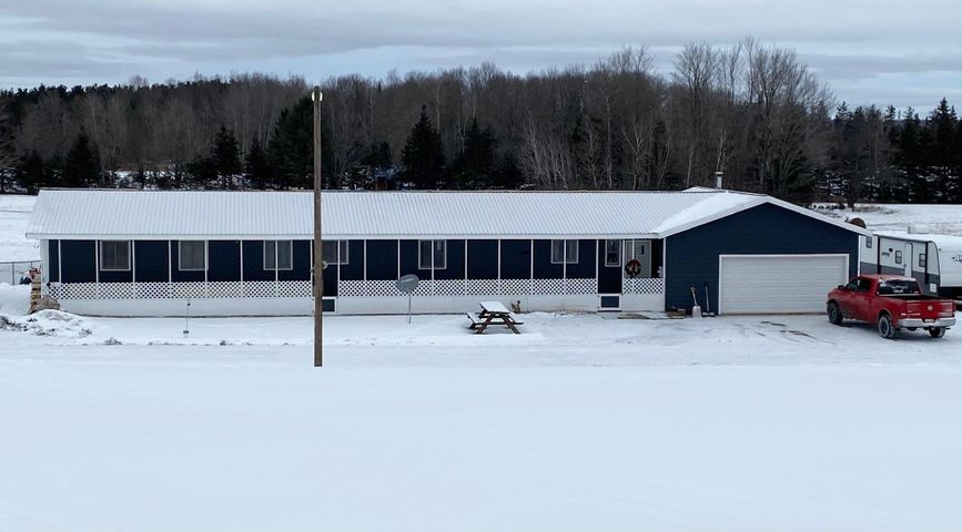 3 bedroom 1 1/2 bath home on just over an acre. Value priced for a first time buyer!