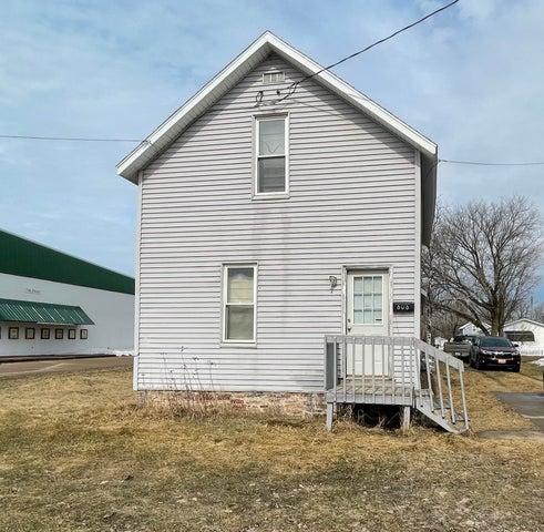 606 W Spruce ST, Sault Ste Marie, MI 49783