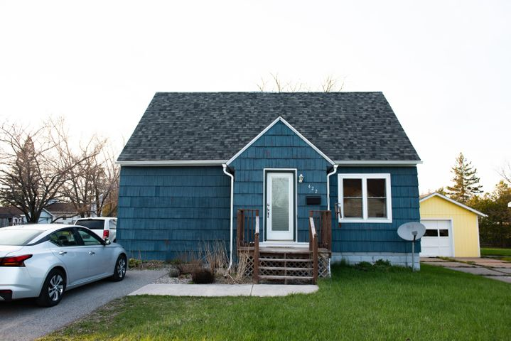 422 Emmett, Sault Ste Marie, MI 49783