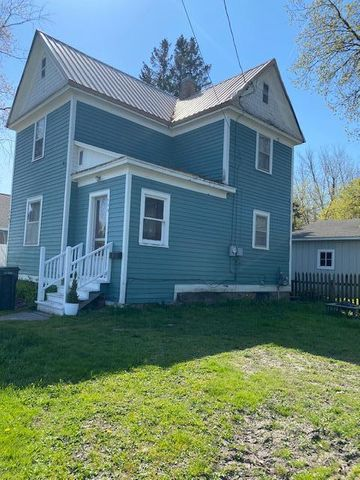 A GREAT 2 BEDROOM 1 FULL BATH STARTER OR RENTAL HOME. NOT FAR FROM THE UNIVERSITY , HOSPITAL AND DOWNTOWN AREA. HARDWOOD FLOORS THAT ARE IN GOOD CONDI